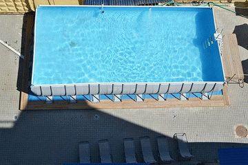 Бассейн гостиницы Мирабель в Анапе