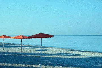 Пляж санатория Магадан в Сочи