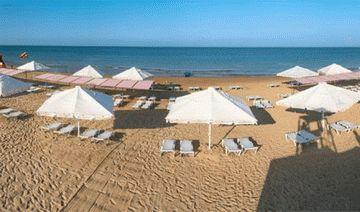 Пляж отеля Дюны Золотые в Анапе