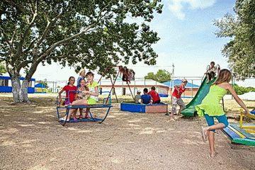 Досуг в детском лагере