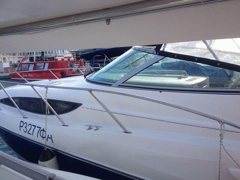Моторная яхта Баулайнер 305 в Анапе