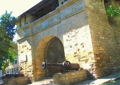 Исторические памятники и сооружения на Кубани