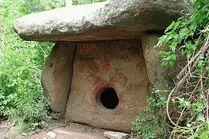 Дольмены - древние мегалитические сооружения