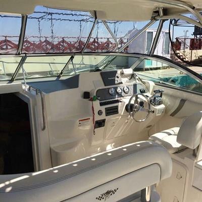 Моторная яхта «Вэлкрафт» в Анапе