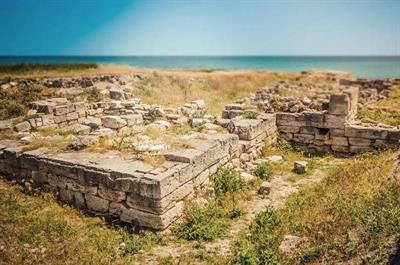 Крепость и дворец Александра Македонского