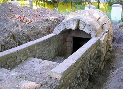 Склеп Героон - памятник античного некрополя