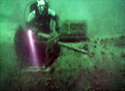 Затонувший самолет - бомбордировщик Бостон  Дуглас А-20