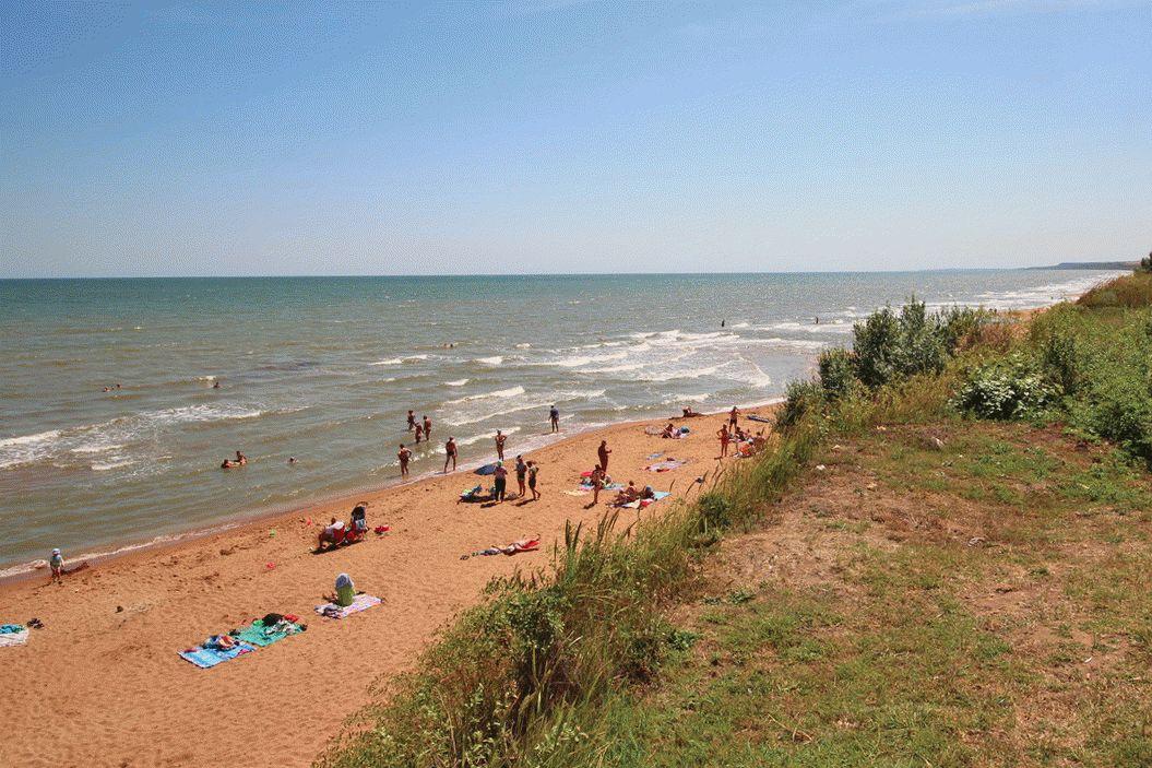 Песчаный пляж на Азовском море