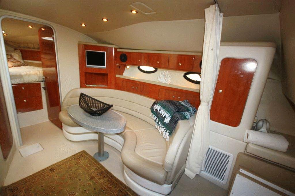 Яхта Larson 370 Cabrio в Анапе