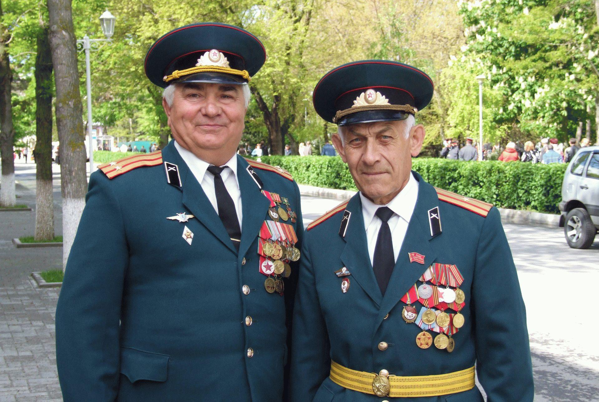 Защитники Отечества на 9 мая