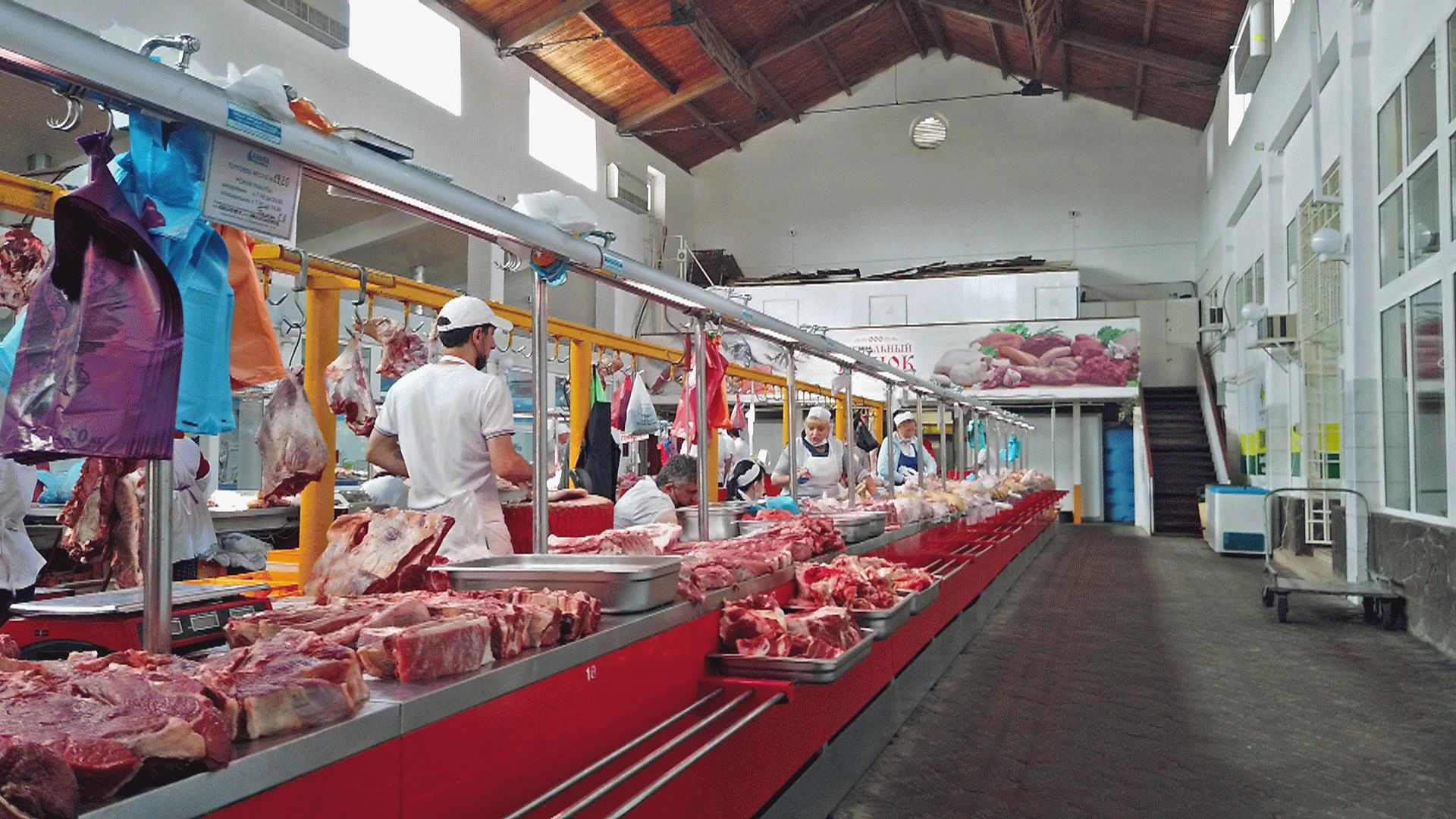 Мясной павильон на Центральном рынке в Анапе