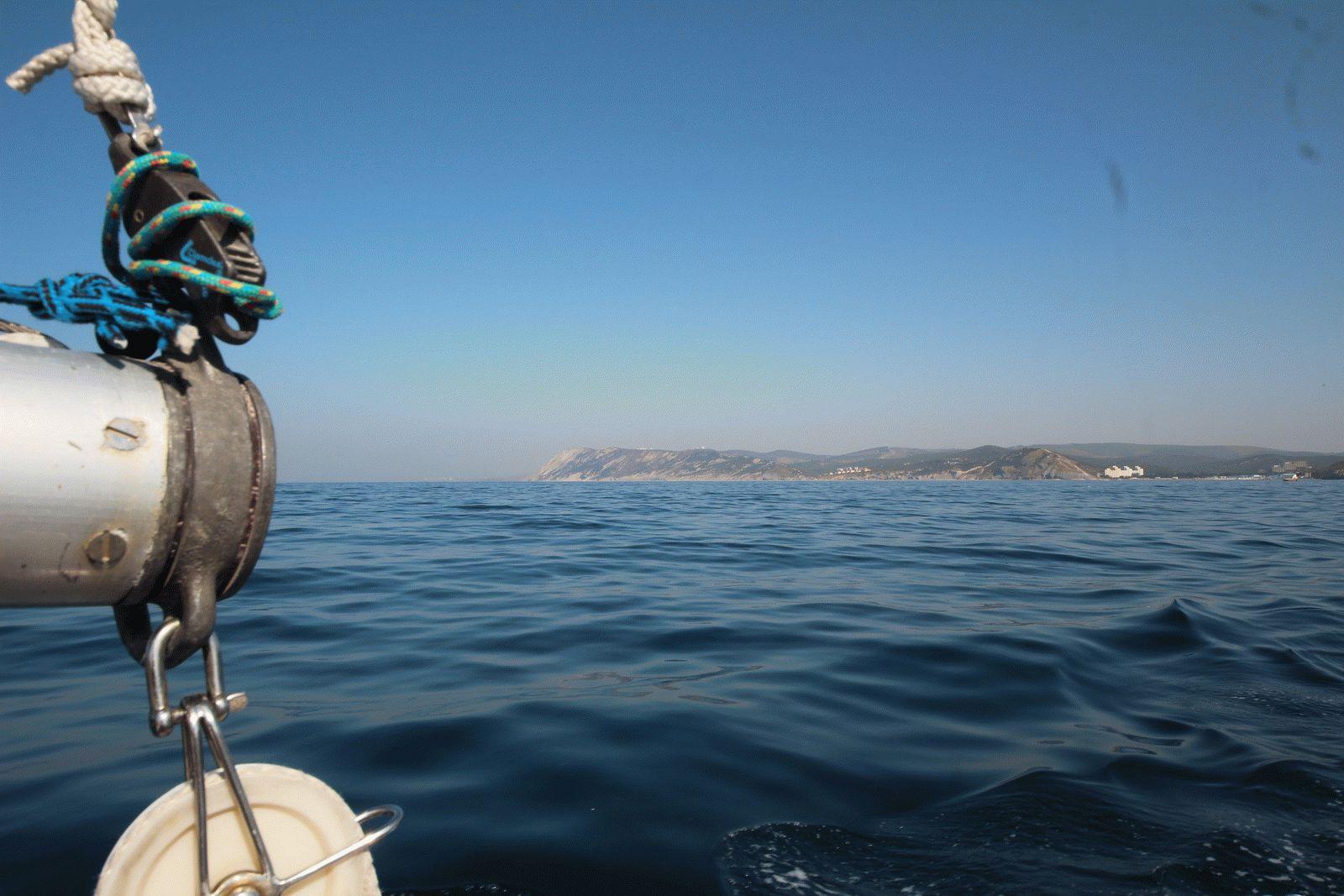 Спокойное море в сентябре