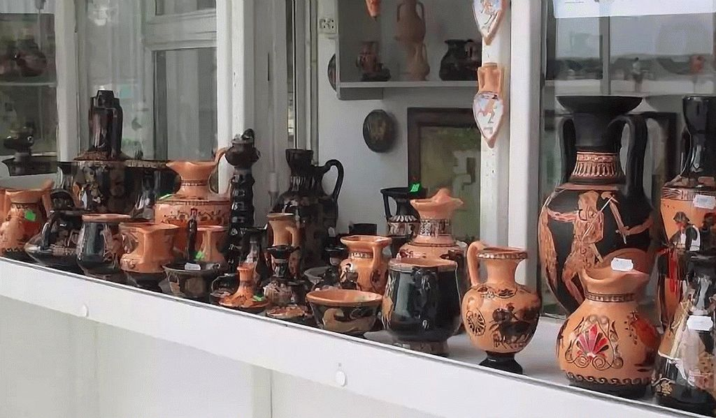 Сувениры из глины в Анапе