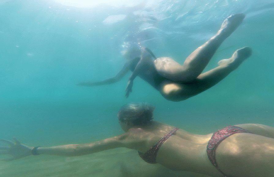 Море здесь чистое и прозрачное