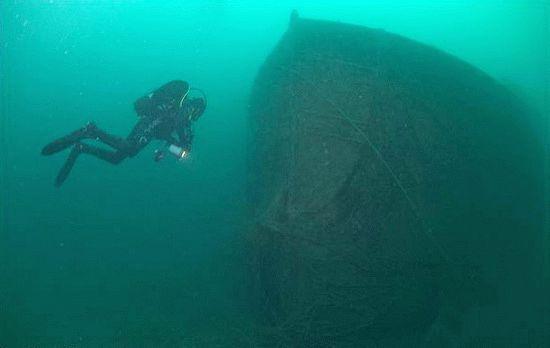 Затонувший в Черном море корабль