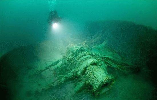 Затонувший корабль времен ВОВ