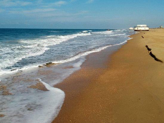 Берег моря в Витязево