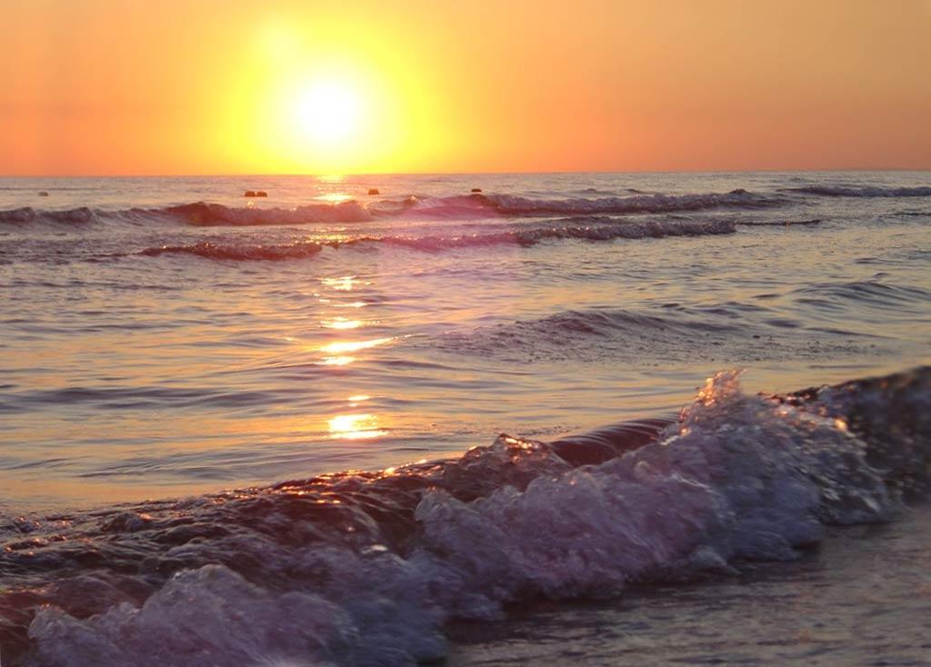Фото моря в Анапе на закате