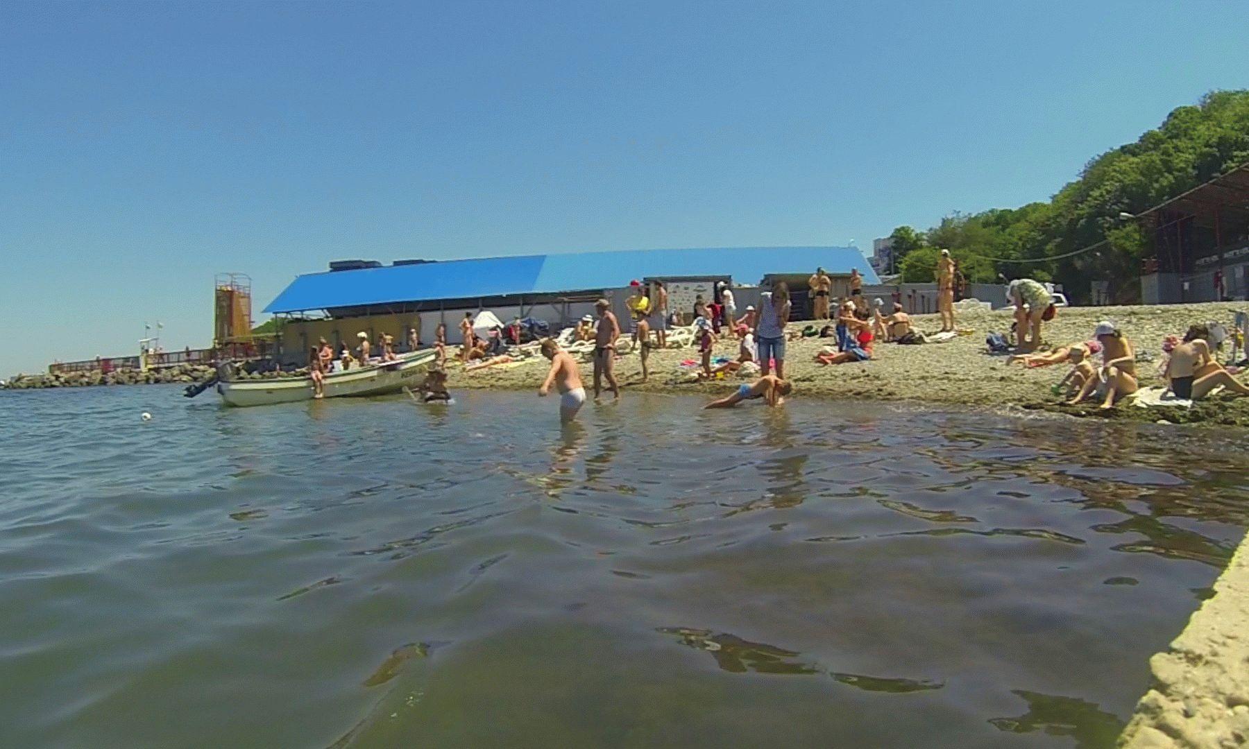 Галечный пляж в Малой бухте