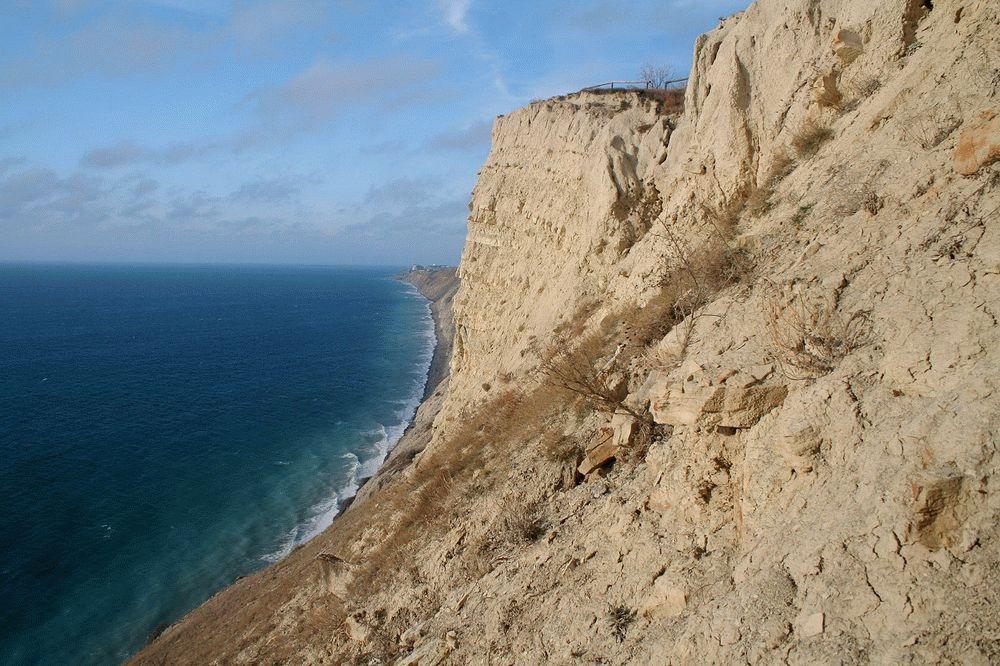 Скалистые берега Черного моря