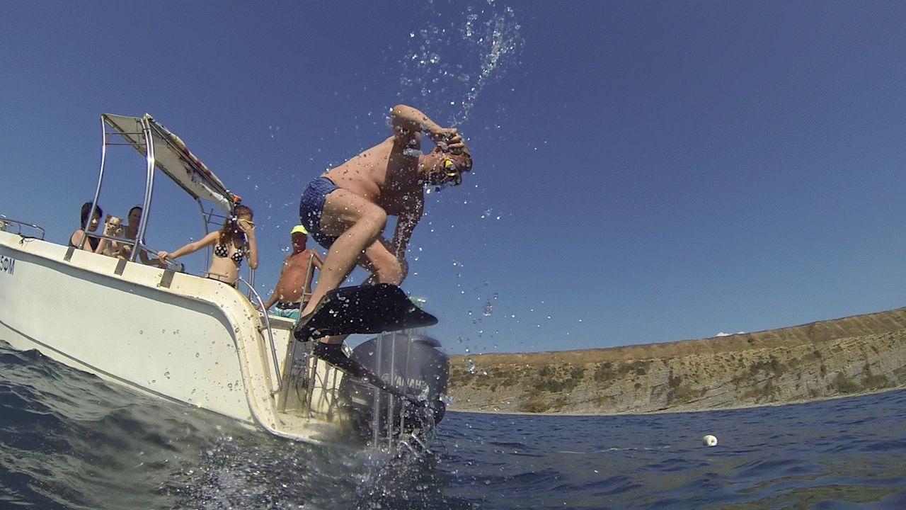 Купание в открытом море в Анапе
