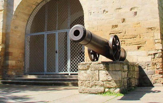 Орудие у Русских ворот