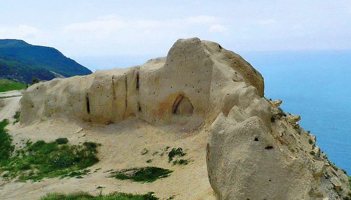Ласточкино гнездо на Лысой горе в Анапе
