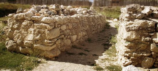 Руины Неаполя-Скифского