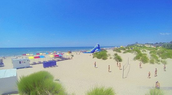 Туалет пляж вид снизу — photo 5