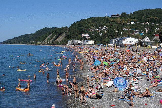 Пляжи Сочи в мае