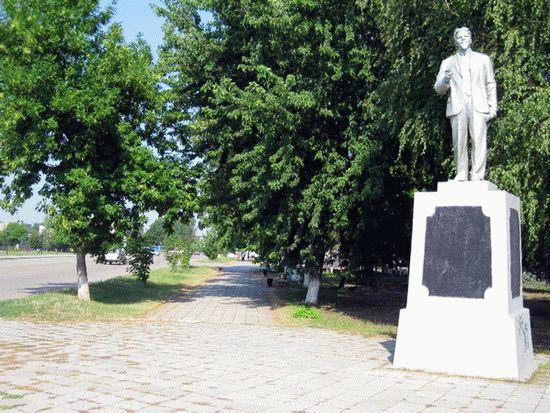 Памятник в станице