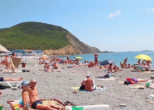 Пляж курортного поселка Сукко