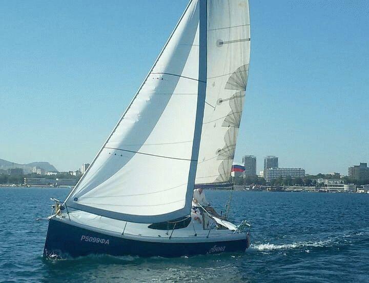Яхта Анна