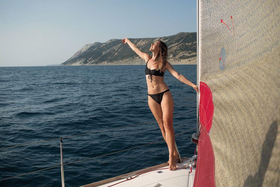Морские прогулки на парусной яхте Lucky