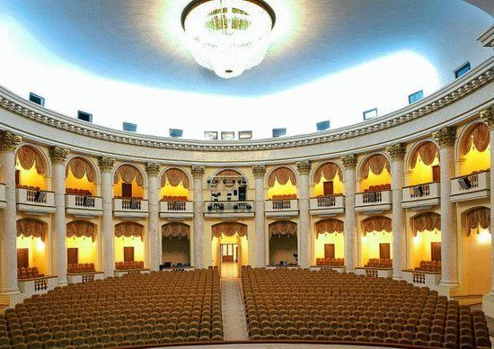 Зал Зимнего театра Сочи
