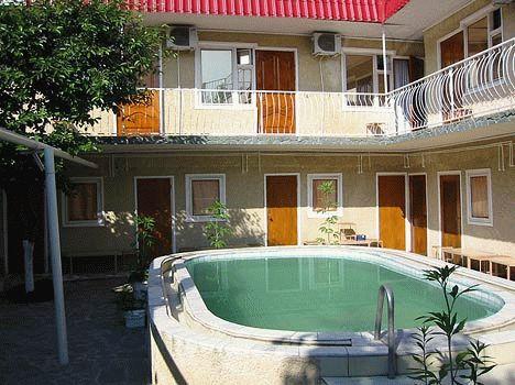 Отель «Испанский дворик»