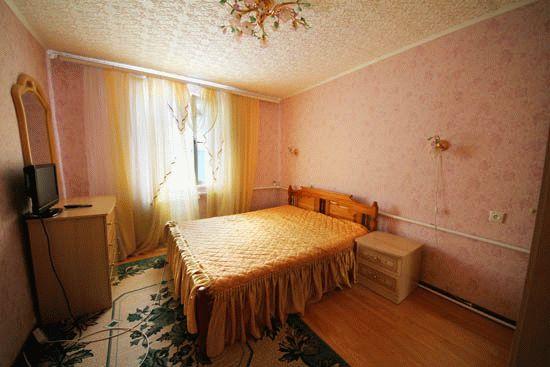 «Семейный отдых» в частном секторе на Самбурова