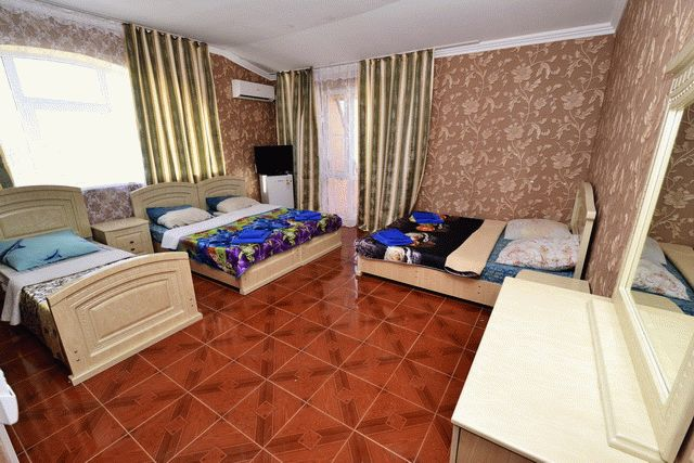 Гостевой дом «Золотой Берег» в Витязево