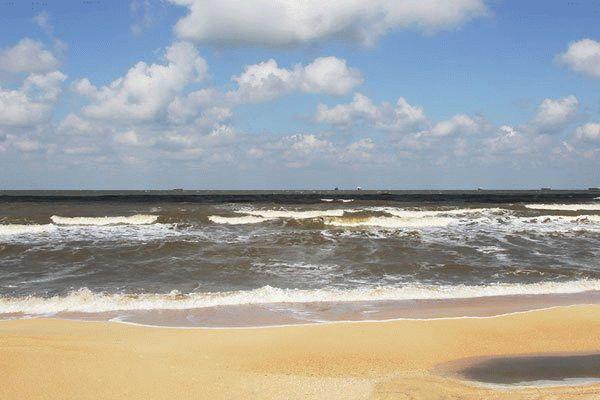 Пляж отеля в Голубицкой
