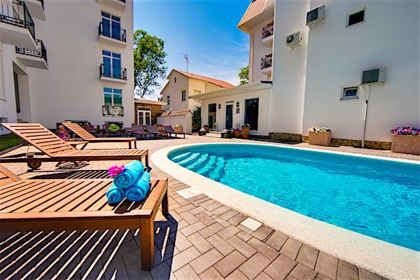 Отель «Голубая Лагуна»