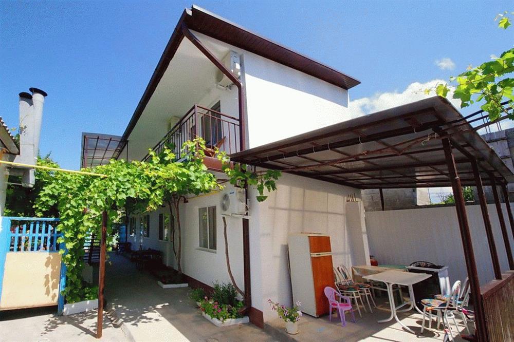 «Уютный дворик» в частном секторе Анапы